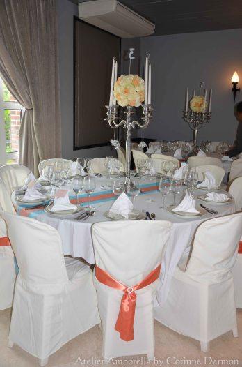 table avec chandelier décoré